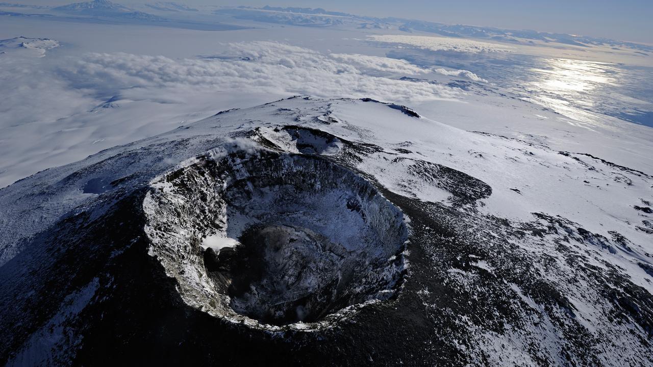 Загадочная Антарктида: NASA ищут инопланетные микроорганизмы ввулкане Эребус