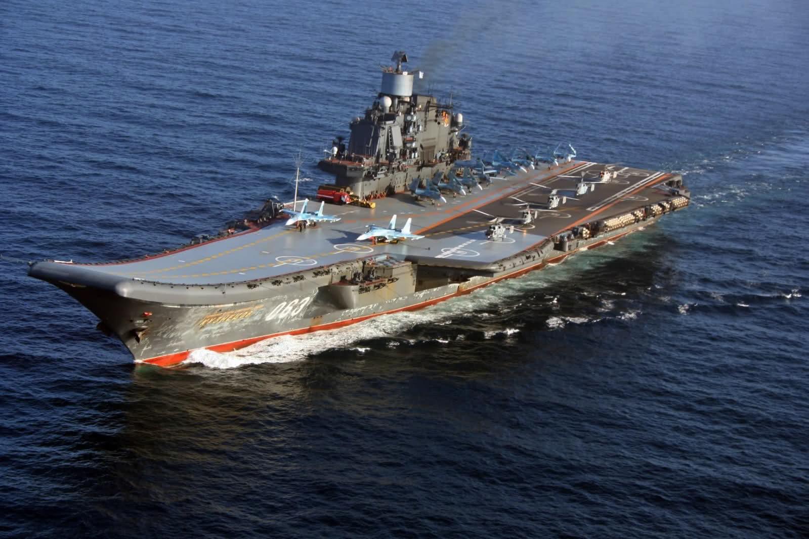 Военные моряки поведали Путину онедружественном поведении кораблей НАТО