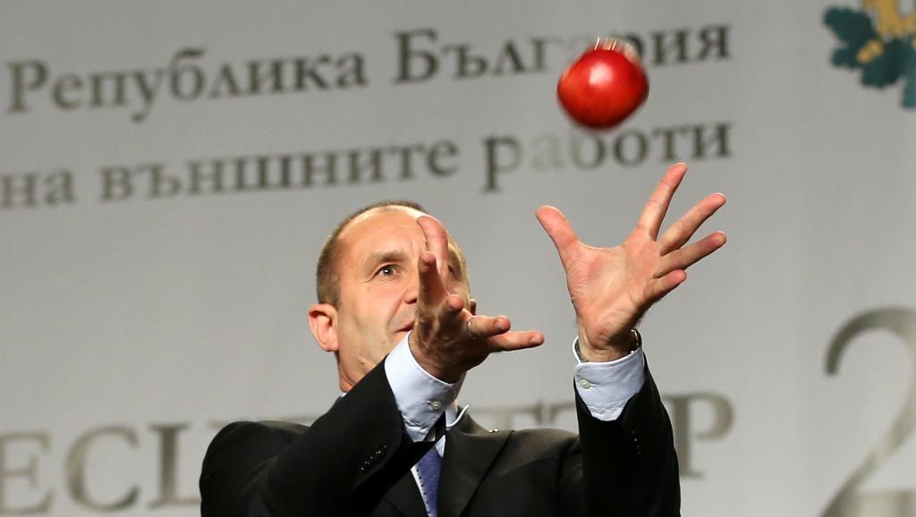 ВБолгарии началась кампании подосрочным парламентским выборам