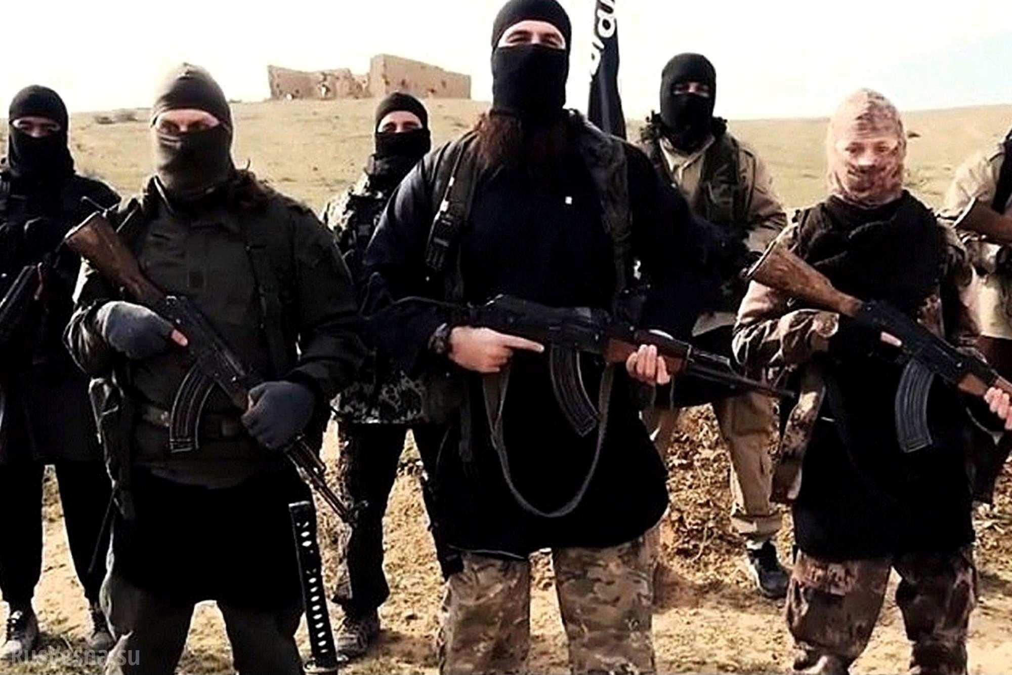 Смертник устроил взрыв увоенного лагеря вЙемене, погибли 5 человек