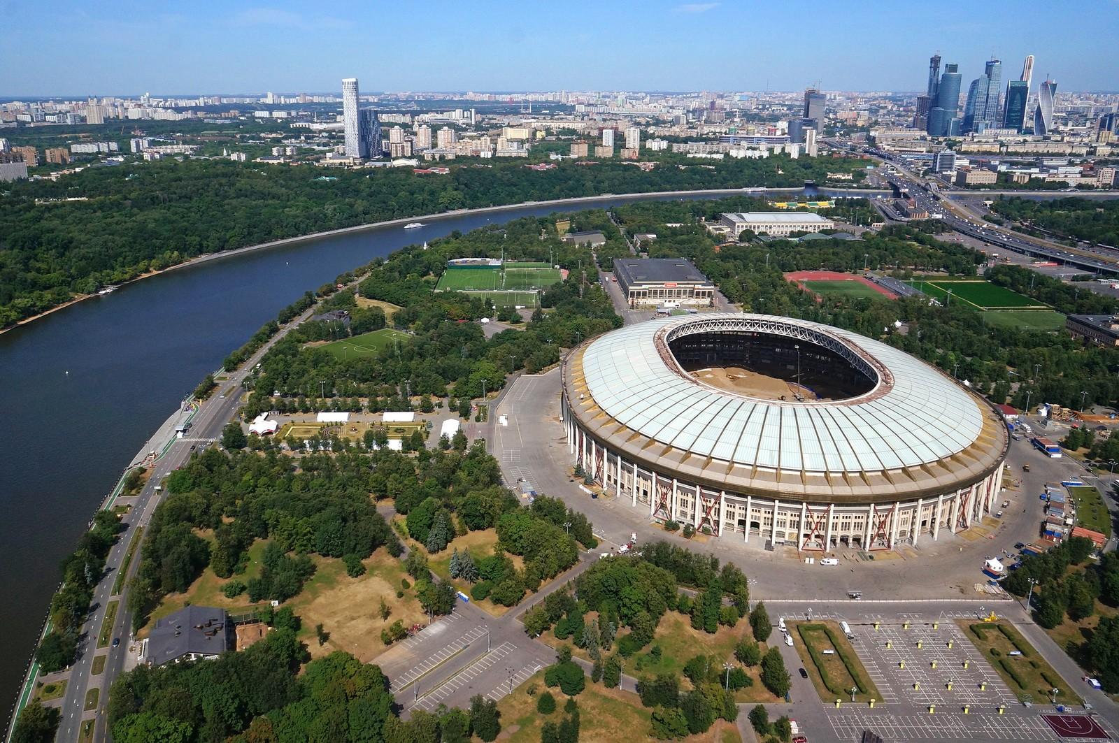 Огромная арена «Лужников» готова на95%