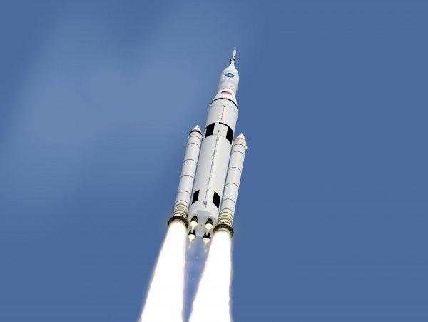 NASA обдумывает, как впервый тестовый полет нановой ракете отправить астронавтов