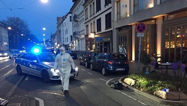 Назападе Германии шофёр авто совершил наезд нагруппу людей