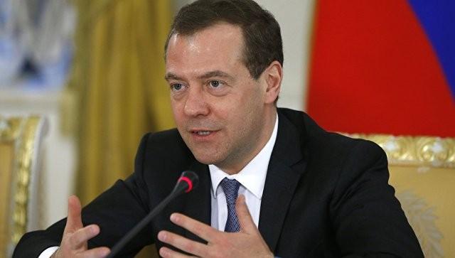 Медведев поздравил с75-летним юбилеем артиста Юрия Кочнева