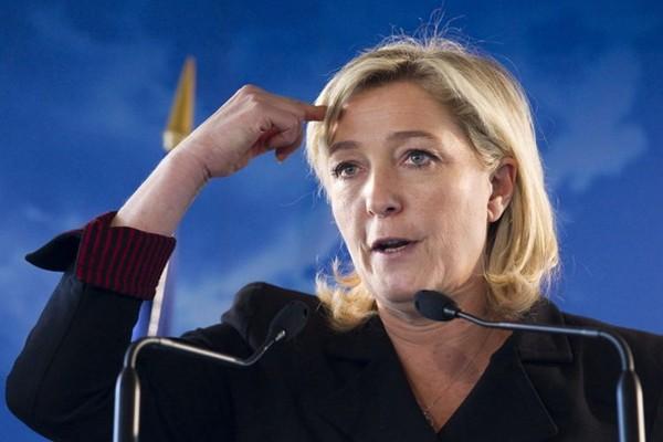 Премьер Франции объявил озапуске кампании против Марин ЛеПен