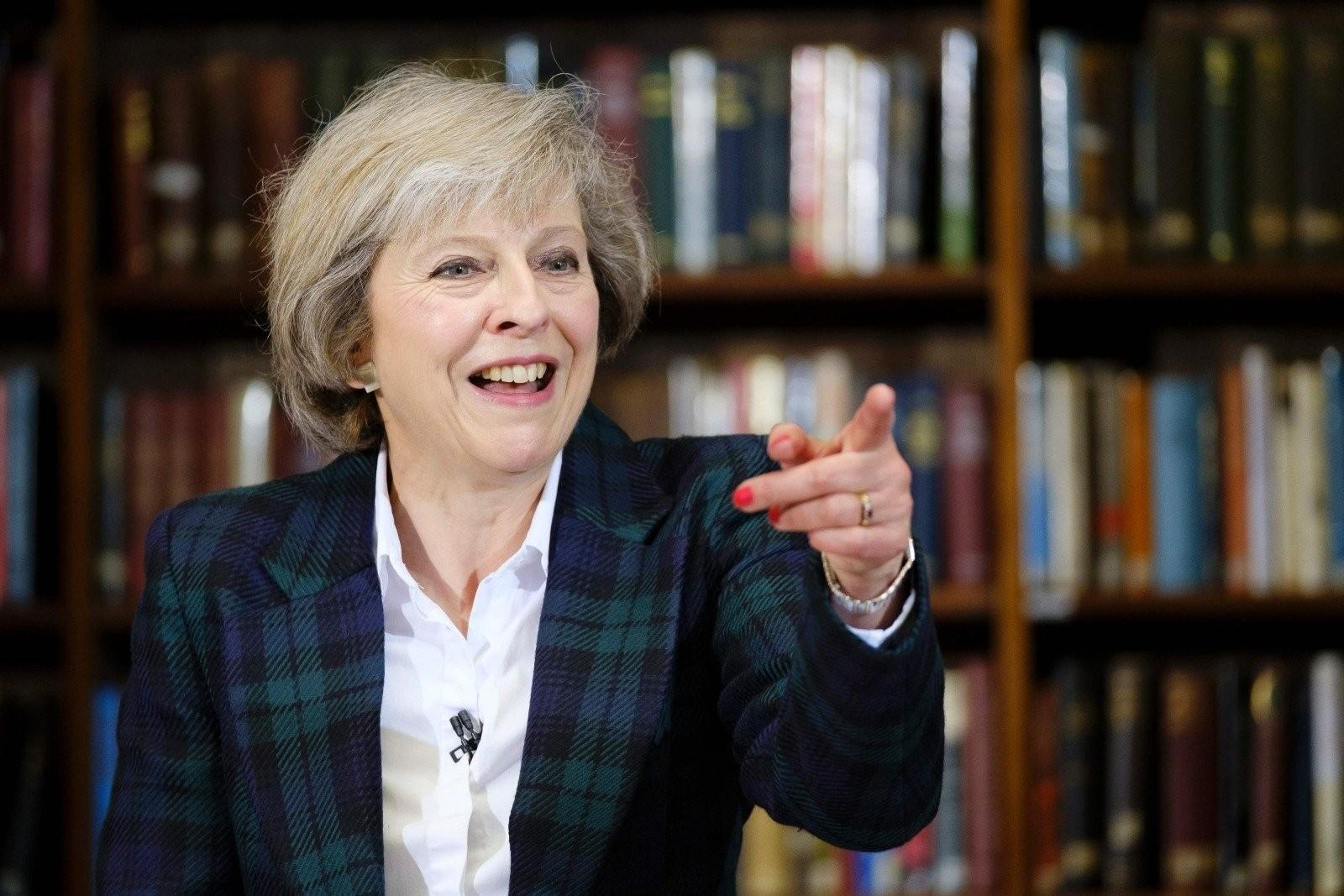 Великобритания введет визы для трудовых мигрантов изЕС