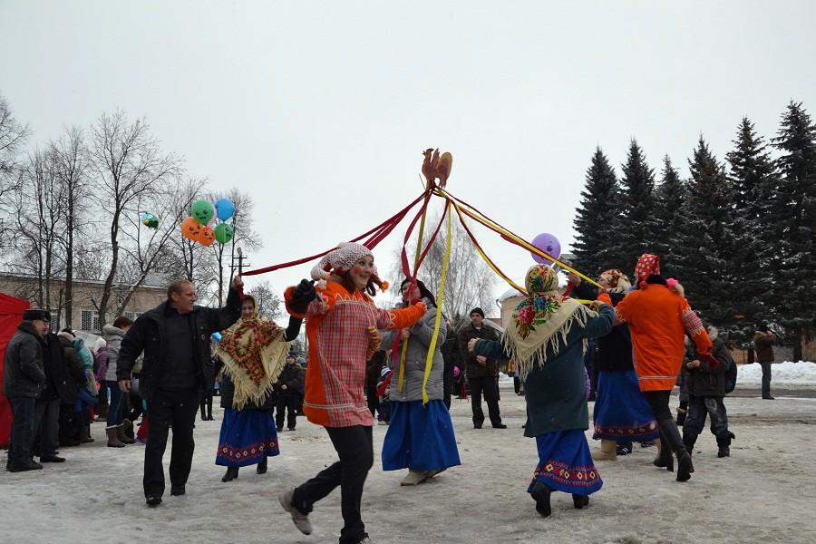 В столице России 800 тыс. человек пришли праздновать Масленицу