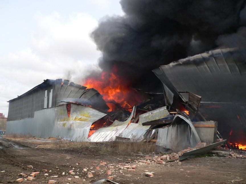 Пожарные устранили крупное возгорание вВоскресенском районе Подмосковья