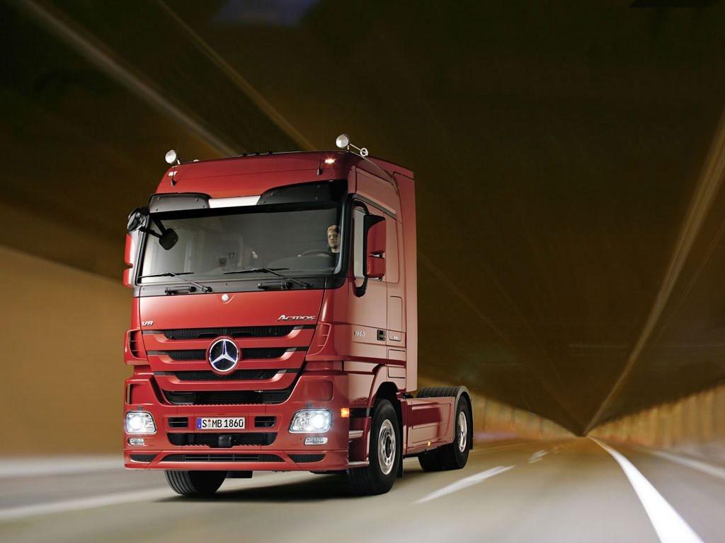 В2014 году продажи фургонов Mercedes на русском рынке увеличились на40%