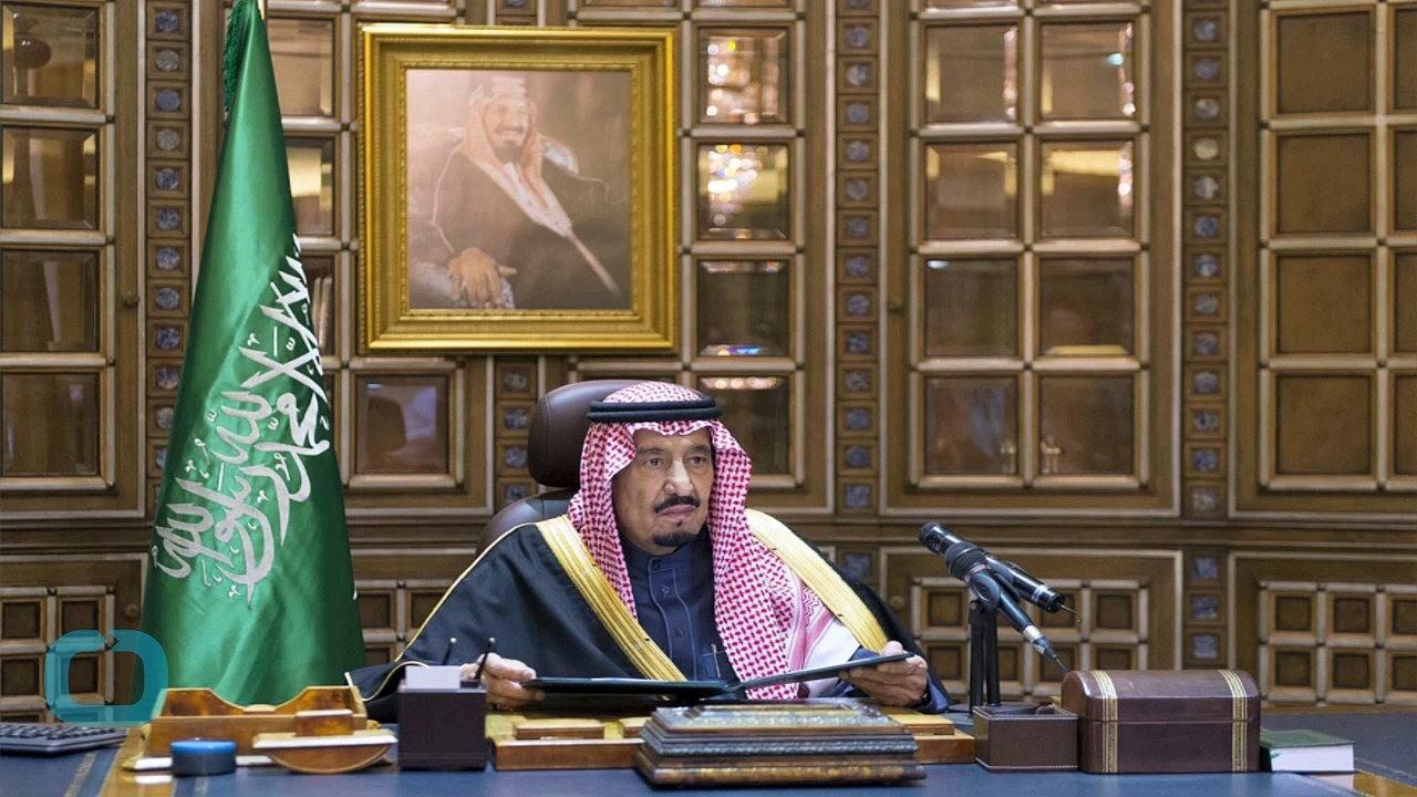 Монарх саудитов взял ссобой впоездку 450 тонн багажа