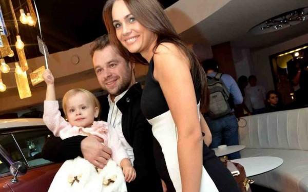 Виталий гогунский с женой фото, частное русское порно онлайн волосатые киски