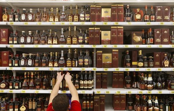 Минфин предложил увеличить розничные цены на крепкий алкоголь