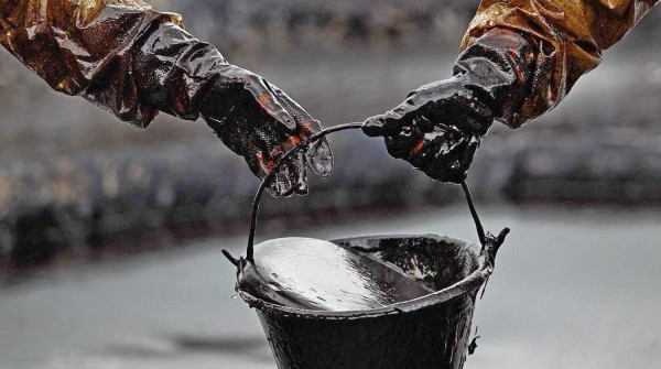 США увеличили запасы нефти на 2,8 % за прошлую неделю