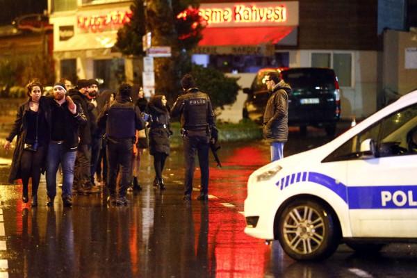 Экстремиста, который расстрелял людей в стамбульском ночном клубе, арестовали