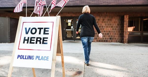 Иммигрантка в США приговорена к 8 годам тюрьмы за незаконное голосование