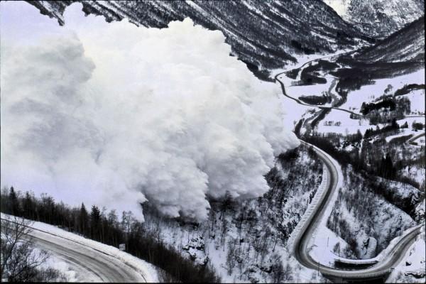 МЧС предупреждает о сходе лавин на Кубани и Северном Кавказе
