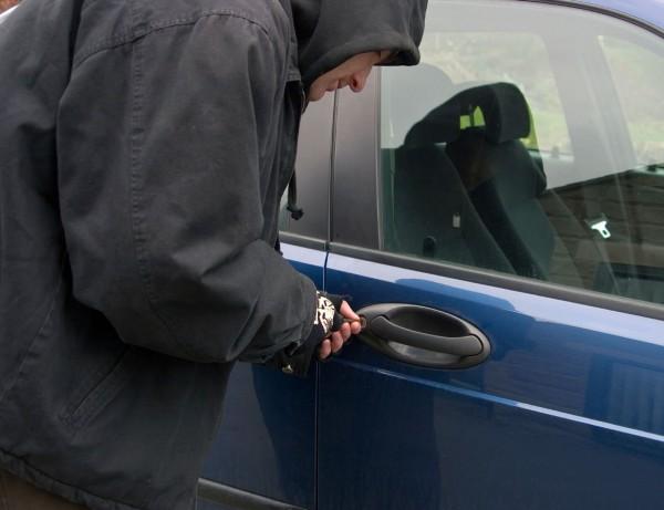 В Ямале угонщик за сутки похитил пять автомобилей