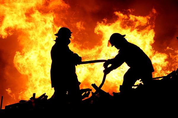 В Югре нашли тела матери и ребенка, погибших при пожаре в Мегионе
