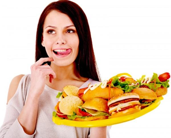 Ученые выяснили, как уменьшить риск переедания