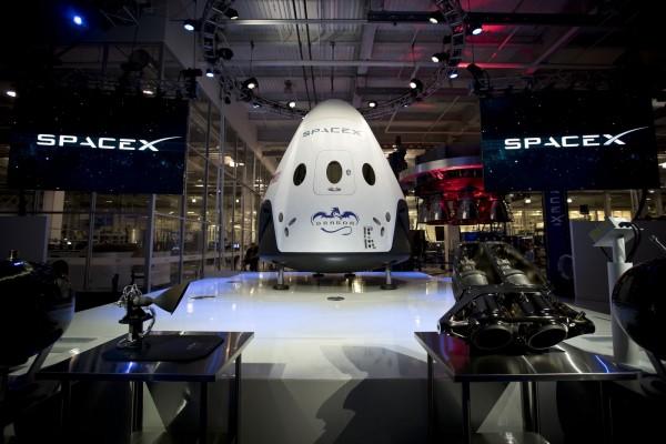 SpaceX отложила свою первую экспедицию на Марс до 2020 года