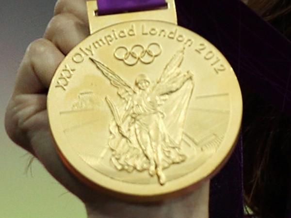 Уличенные в допинге российские атлеты завтра сдадут медали
