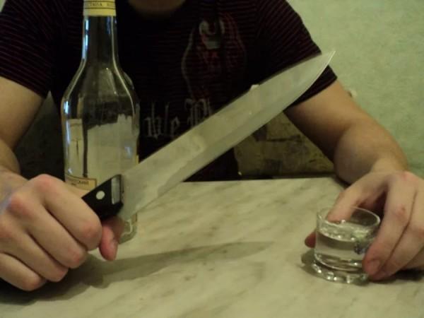 В Уфе пьяный мужчина зарезал своего друга