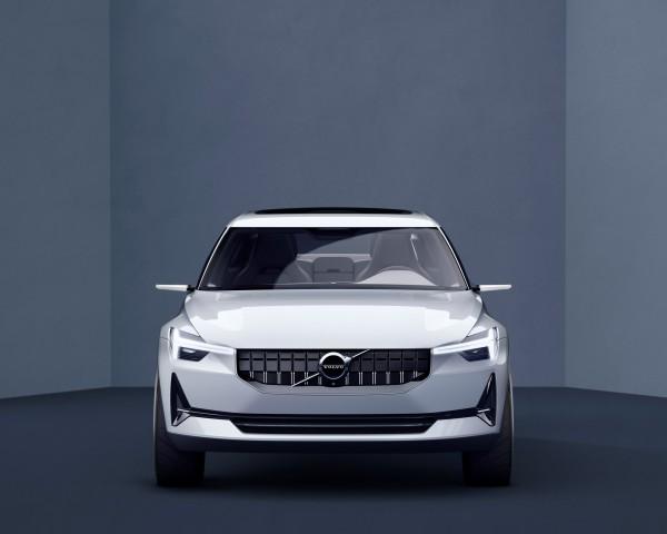 В интернете появились фото нового кроссовера модели XC40 от Volvo