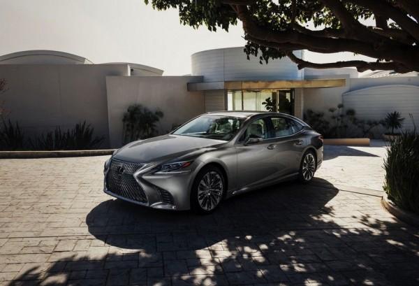 В сети озвучены технические характеристики седана Lexus LS 500h