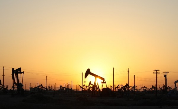 Баррель нефти марки Brent подорожал до 56,66 долларов