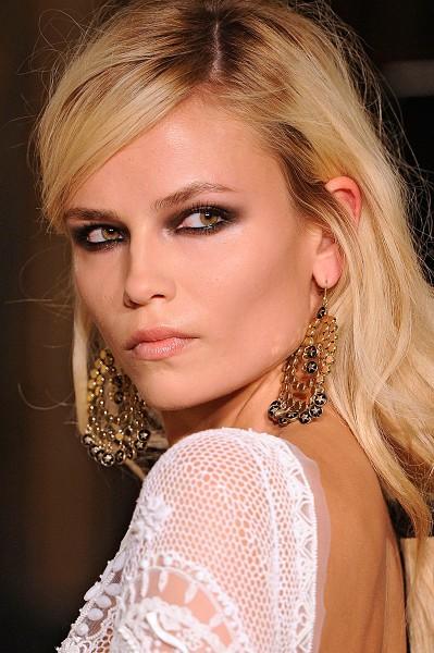 На подиуме Недели моды в Милане появилась модель из Перми Наташа Поли