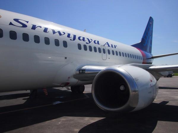 Летевший в Индонезию самолёт вернулся в Китай из-за незакрытых дверей