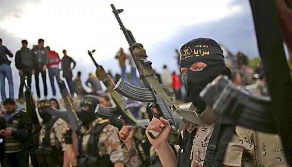 Премьер-министр Ирака приказал войскам атаковать позиции ИГ в Сирии