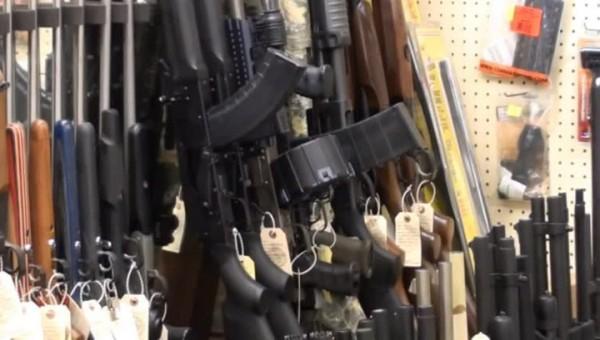 Чехи массово покупают оружие для защиты от террористов