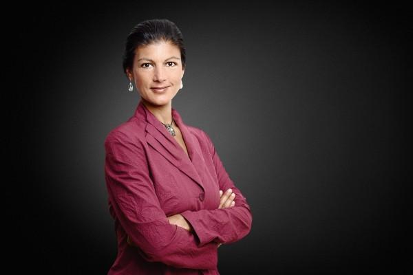Сара Вагенкнехт заявила, что будет бороться за отмену санкций в отношении РФ