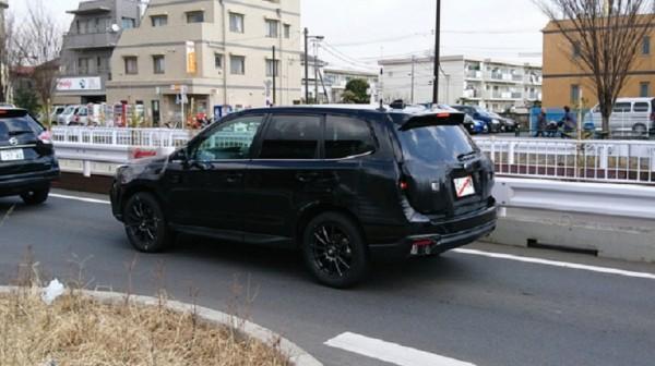 Пользователи выложили в Сеть шпионские фото Subaru Forester