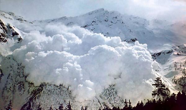 В горах Грузии погиб сноубордист из Германии