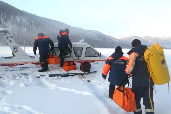 На Алтае приостановили поиски вертолета
