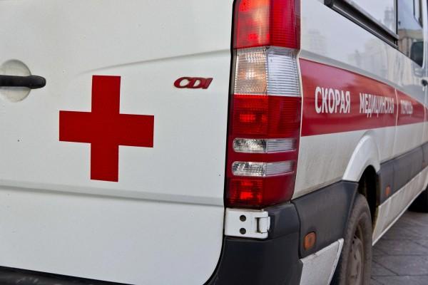 В Красноярске старшеклассница выжила после падения из окна пятого этажа
