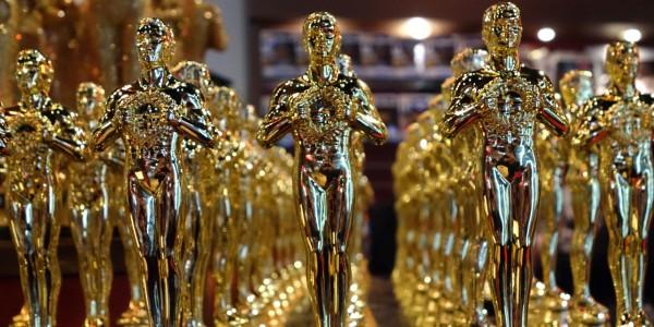 Голливудские стилисты рассказали о платьях кинозвезд для «Оскара»
