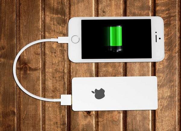 Аккумулятор Power Bank для iPhone разработала российская компания ROMANOVA
