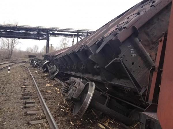 В Забайкалье сошел с рельсов грузовой поезд с углем