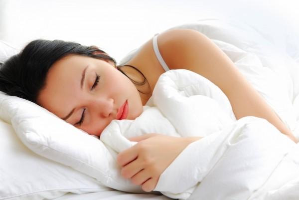 Ученые: Воспитание детей мешает женщинам спать