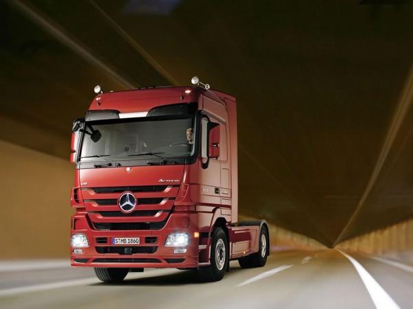 В 2016 году продажи грузовиков Mercedes в России выросли на 40%