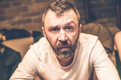 Шнуров попросил не называть его музыкантом