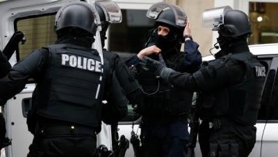 Во Франции арестовали троих людей по подозрению в организации теракта