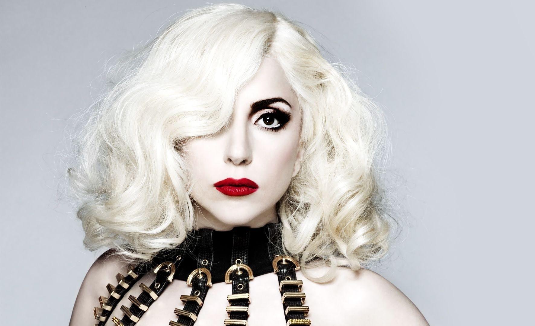 Леди Гага выступит вместо беременной Бейонсе на фестивале Coachella в Калифорнии