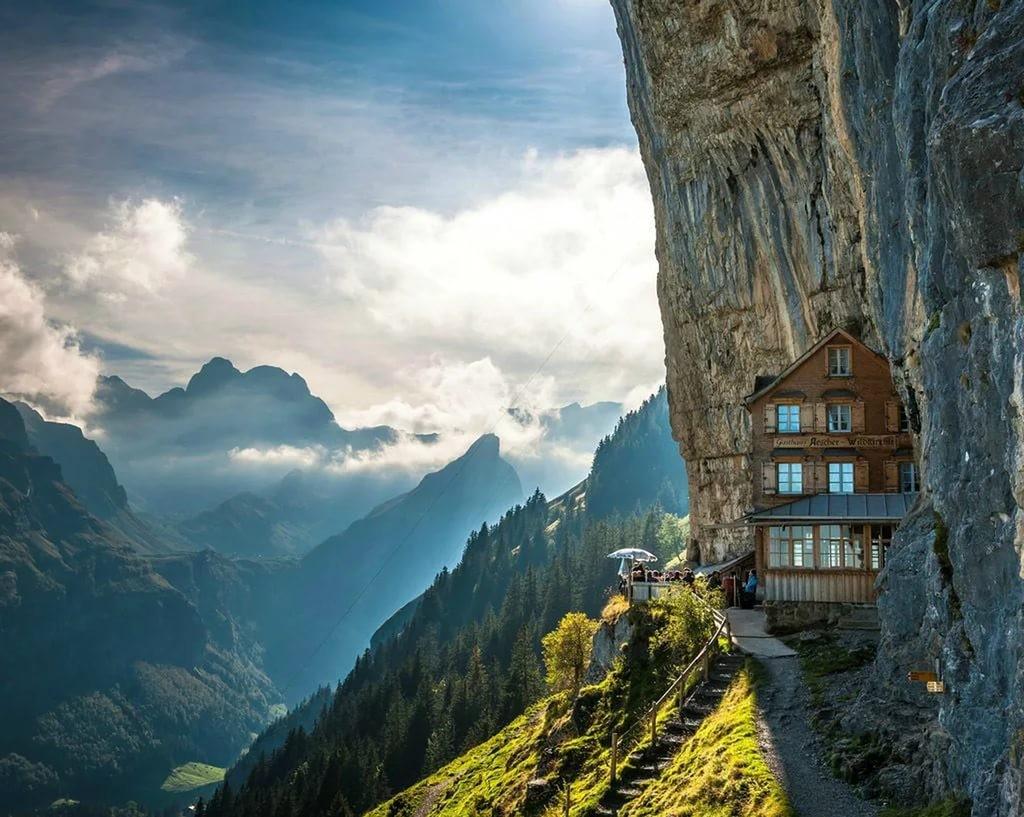 Британец организовал бизнес по продаже альпийского воздуха