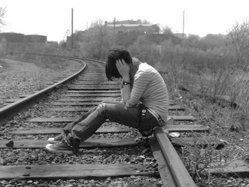 Подростки чувствуют себя неменее одинокими, чем пожилые люди — Исследование