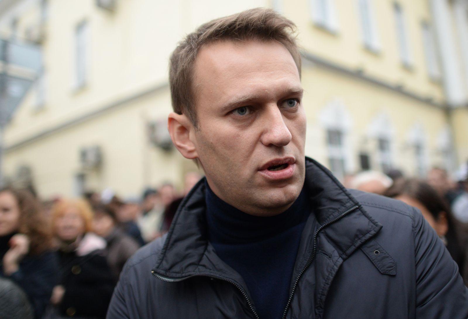 Фонд Навального обнародовал расследование обусадьбах, яхтах ивиноградниках Медведева