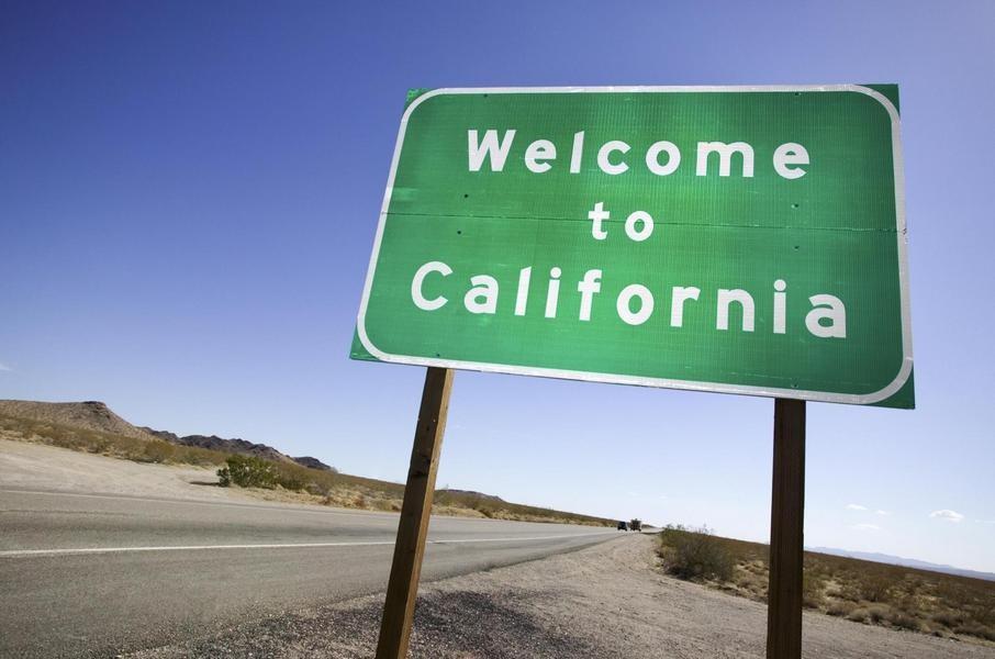 Опрос: треть американцев непротив выхода Калифорнии изсостава США